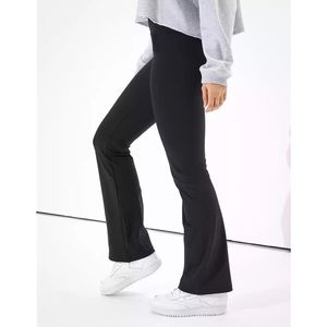 American Eagle The Everything HighWaist Flare Pant